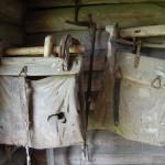 Gamla klövjeväskor som man packade med förnödenheter och hängde på hästarna vid buföringen.